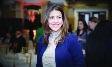 القاضية العربية الأميركية مريم بزي تطلق حملتها الانتخابية للاحتفاظ بمقعدها في محكمة مقاطعة وين