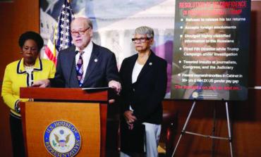 الديمقراطيون يمهّدون لمحاولة عزل ترامب في الكونغرس