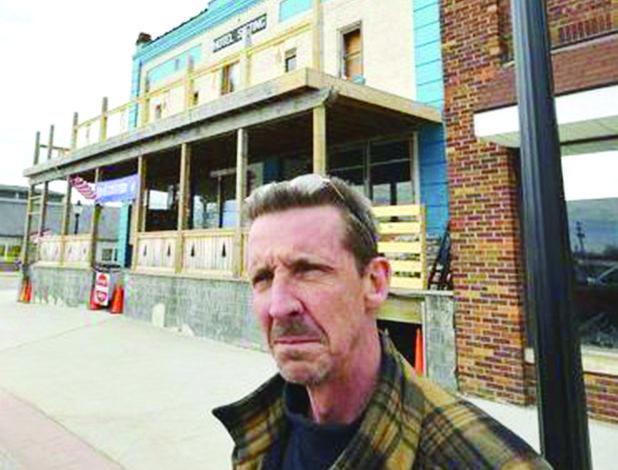 قرية كالكاسكا في شمال ميشيغن تخلع عمدتها المعادي للمسلمين