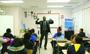 مدارس ديترويت العامة لزيادة رواتب المعلمين الحاليين والجدد بحسب سنوات الخبرة
