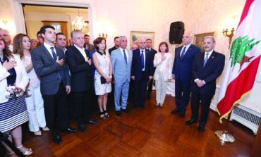 السفير غابريال عيسى يقيم حفل استقبال تكريمي لقائد الجيش اللبناني جوزيف عون في واشنطن