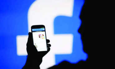 بيانات ملايين مستخدمي فيسبوك .. بيد «قراصنة»
