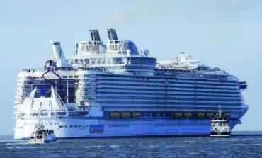 «سيمفونية البحار» .. أكبر سفينة سياحية في العالم