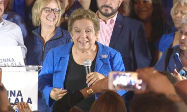 دونا شلالا .. أول أميركية من أصول لبنانية تفوز بعضوية الكونغرس