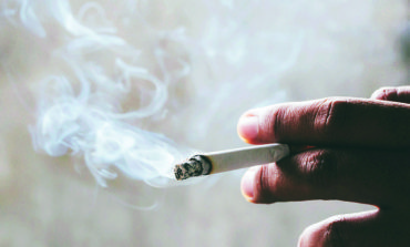 هل تعلم  أن السكر يضاف للسجائر؟
