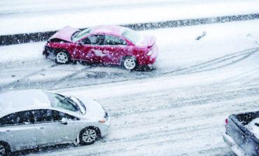 نصائح للتعامل مع حوادث السير خلال العواصف الثلجية