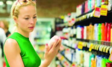 مواد كيميائية في مستحضرات العناية الشخصية .. تسرّع بلوغ الفتيات