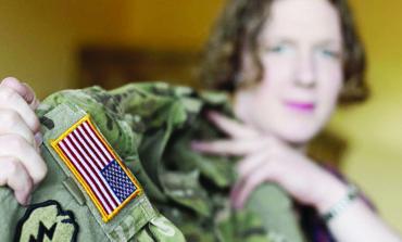 المحكمة العليا تحظر مؤقتاً خدمة المتحولين جنسياً في الجيش الأميركي