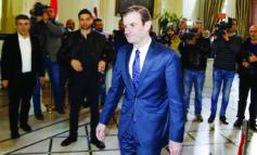هيل ينشر القلق في لبنان .. والحكومة مؤجلة!