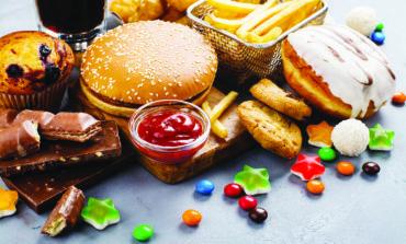 الأطعمة المصنعة تزيد خطر الموت المبكر