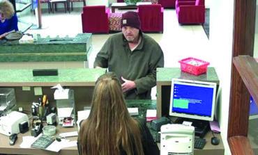 مطلوب بتهمة السطو على ثلاثة بنوك خلال أسبوعين