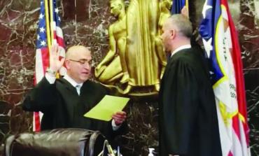 هلال فرحات يؤدي اليمين قاضياً في محكمة مقاطعة وين