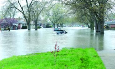 ويتمر تطلب مساعدة فدرالية لإغاثة منكوبي فيضانات الربيع في مقاطعة وين