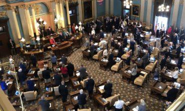 مجلس ميشيغن التشريعي يقر تعديلاً لمنع زيادة أسعار التأمين على السيارات بانتظار سريان النظام الجديد