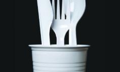 كندا تعتزم حظر المواد البلاستيكية المستخدمة لمرة واحدة في 2021