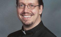 ميشيغن: اتهام قس كاثوليكي سادس بالاعتداء الجنسي على قاصر