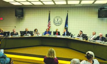 مجلس بلدية ديربورن هايتس يمنع افتتاح مقاهٍ جديدة للأراكيل في المدينة .. وصاحب «سكاي لاونج» يلوّح باللجوء إلى القضاء
