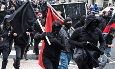 «شهيد أنتيفا»: هجوم انتحاري على مركز لاحتجاز المهاجرين .. ودعوة للرفاق إلى حمل السلاح لمواصلة «الثورة»