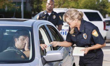 هكذا تضاعف المخالفات المرورية كلفة التأمين على السيارات في ميشيغن!