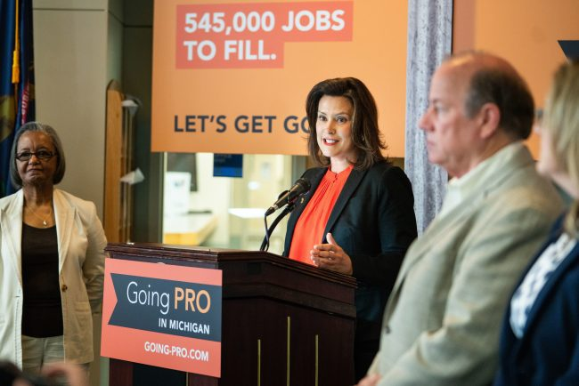 حملة تثقيفية لإعادة الاعتبار لليد العاملة الماهرة في ميشيغن: Going PRO