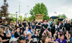 مشرعون ومتظاهرون يطالبون شرطة ديربورن بالتوقف عن احتجاز المهاجرين غير الشرعيين