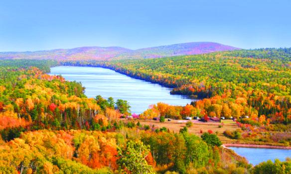 ميشيغن تستعد لحلّة الخريف: ألوان على مدّ عينك والنظر!