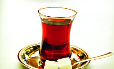 الشاي يعزز القدرات العقلية لدى المسنين