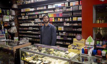ميشيغن.. أول ولاية أميركية تحظر السجائر الإلكترونية المنكّهة