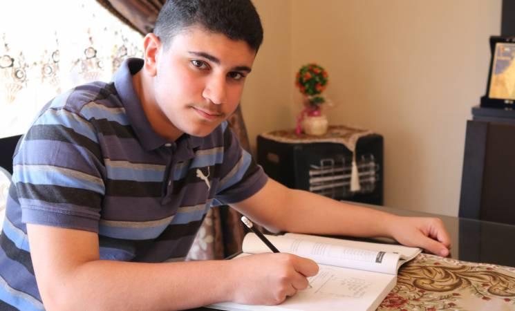 سلطات الهجرة تتراجع وتسمح للطالب الفلسطيني عجّاوي بالالتحاق بـ«هارفرد»
