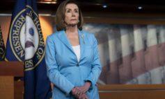 البيت الأبيض يرفض التعاون مع الكونغرس في إجراءات عزل الرئيس .. وترامب يتهم خصومه بالخيانة والفساد