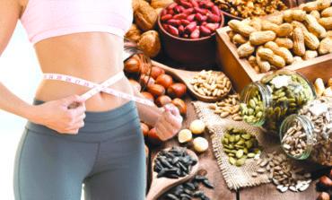 المكسرات تكافح زيادة الوزن