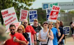 إضراب عمال «جنرال موتورز» يدخل أسبوعه الرابع .. والخسائر تتراكم