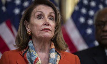 الديمقراطيون يقرون البدء بإجراءات عزل ترامب في مجلس النواب