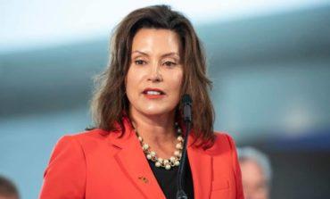 حاكمة ميشيغن توقّع خمسة قوانين جديدة بينها حظر بيع أدوية السعال للقاصرين