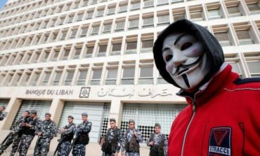 ودائع اللبنانيين في مهب الريح .. والبلاد تواجه أزمة مالية–اقتصادية مفتوحة