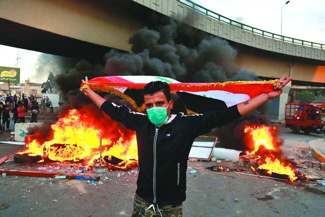 الصدر يريد رئاسة الحكومة العراقية على وقع احتجاجات الشارع