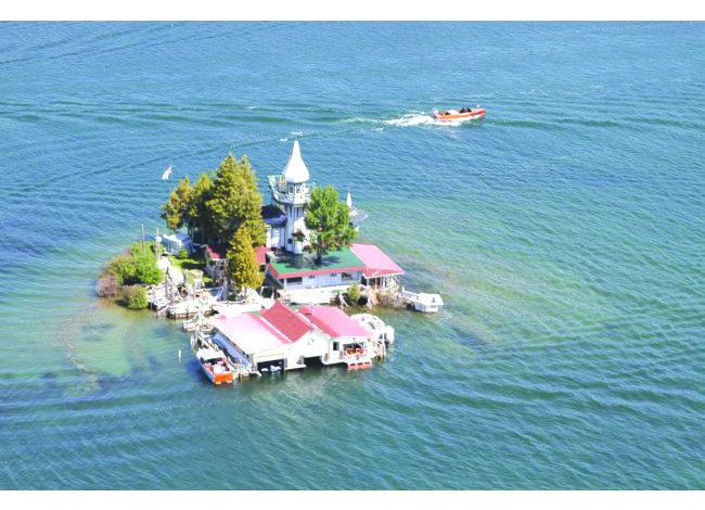 جزيرة ترفيهية خاصة للبيع في شمال ميشيغن