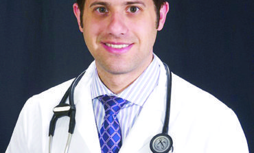 تعيين الطبيب عامر محمد علامة رئيساً للطاقم الطبي في مستشفى «بومانت» بمدينة غروس بوينت