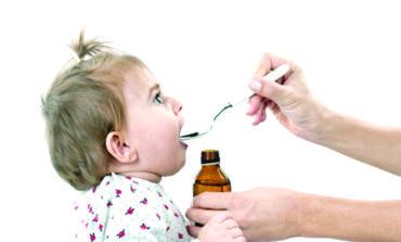 دراسة تحذّر من تقديم المضادات الحيوية للأطفال