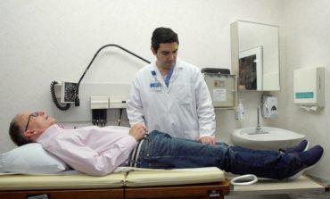 الجرّاح محمد بيضون يصنع معجزة طبية بتجربة رائدة على مريض يعاني من شلل شبه كلي