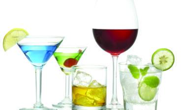 استهلاك الكحول ولو بكميات قليلة يزيد خطر الإصابة بالسرطان