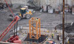 بناء الرافعة الأساسية لأعلى برج في ديترويت
