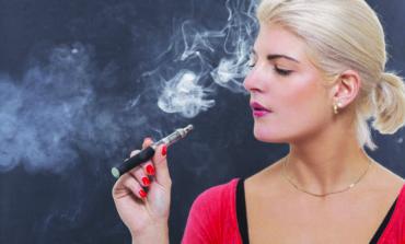 السجائر الإلكترونية تضاعف خطر أمراض الرئة