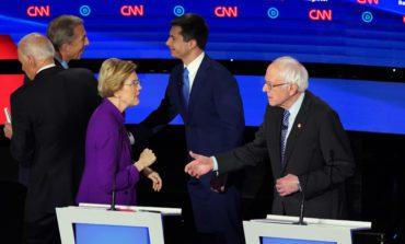 الغموض يلف السباق الديمقراطي بعد المناظرة التلفزيونية الأخيرة