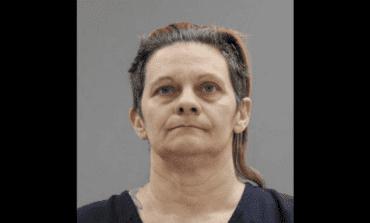 امرأة متهمة بسرقة أموال والدتها بعد قتلها وإخفاء جثتها في مرآب المنزل