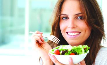 حمية الطعام النيء  .. هل هي صحية؟