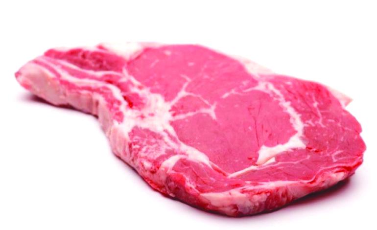 تناول اللحوم الحمراء واللحوم المصنعة يزيد خطر الإصابة بأمراض القلب