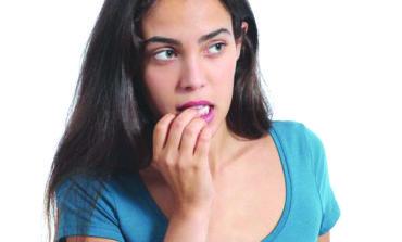 كيف يمكن لقضم الأظافر أن يعرضك للإصابة بكورونا؟