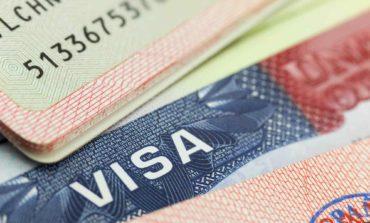 الخارجية الأميركية تحجب  التأشيرات في معظم أنحاء العالم