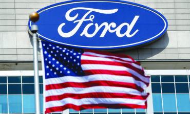 «فورد» تستجيب لأوامر ترامب وتبدأ بإنتاج 50 ألف جهاز تنفس صناعي